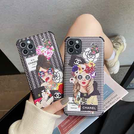 Chanel iPhone12ケース
